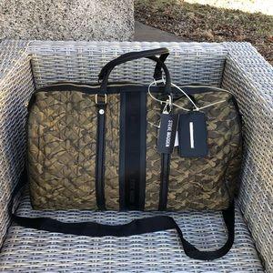 Steve Madden XL Camo Duffle Bag Weekender NWT